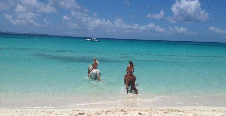 Cabalgata en Anguilla
