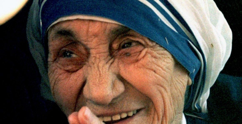 madre teresa santificacion