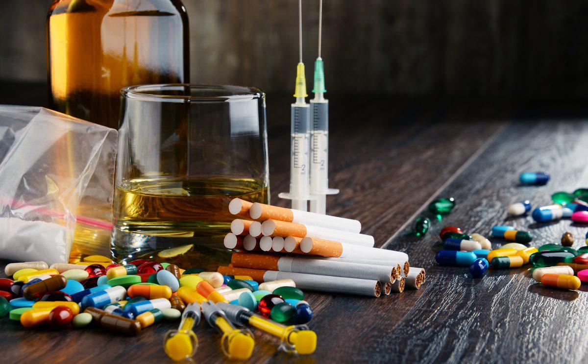 adicciones drogas Manes