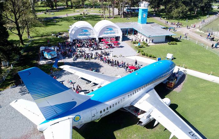 avion boeing 737 republica de los niños