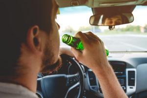 aeguridad vial tomar mate al volante