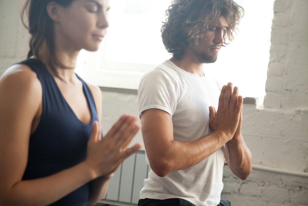 ejercicios lumbares estirar la espalda