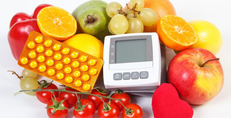 Que alimentos no debe comer una persona hipertensa
