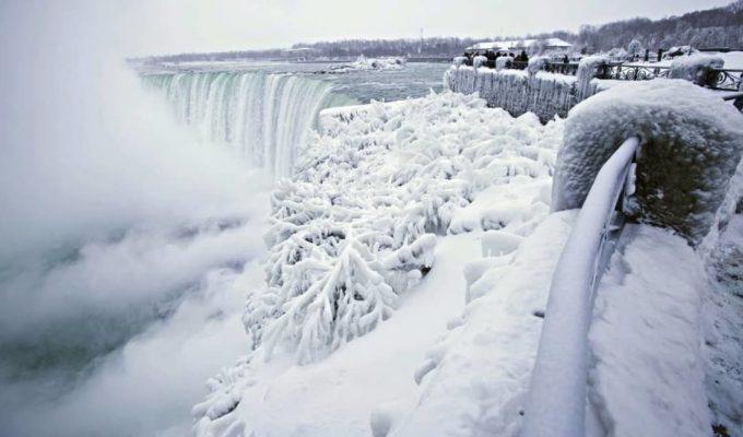 cataratas del niagara congeladas