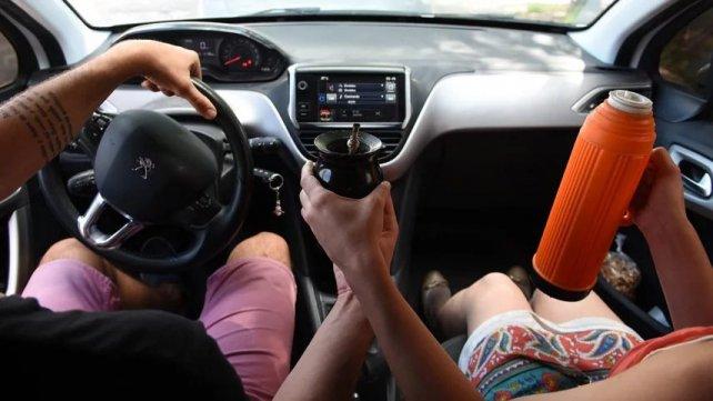 tomar mate al volante