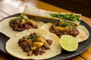 tacos con osobuco y caracu
