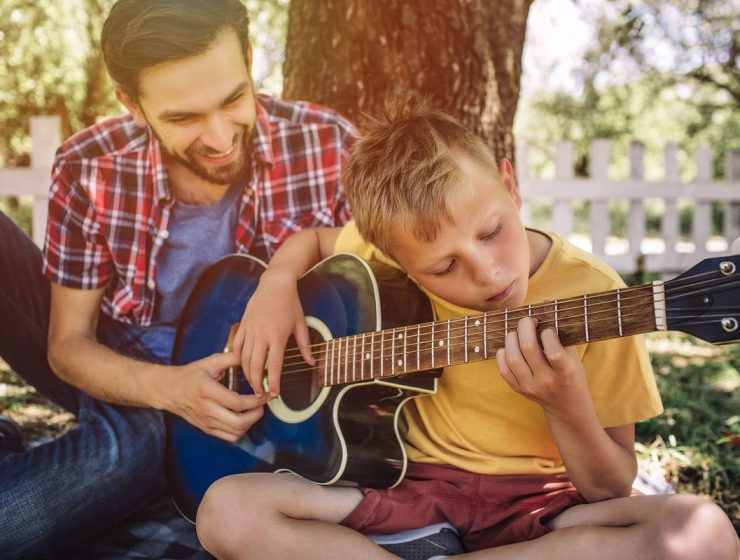 como aprender a tocar guitarra facil