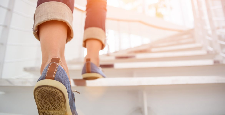 subir escalera