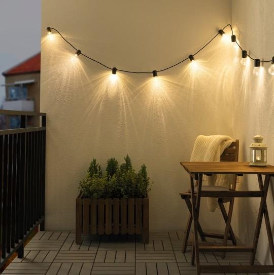 guirnalda de luces balcón