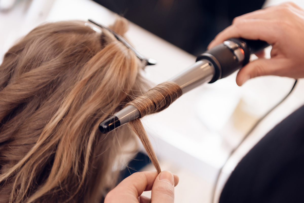 cortes de pelo para mujeres con rulos y mucho volumen