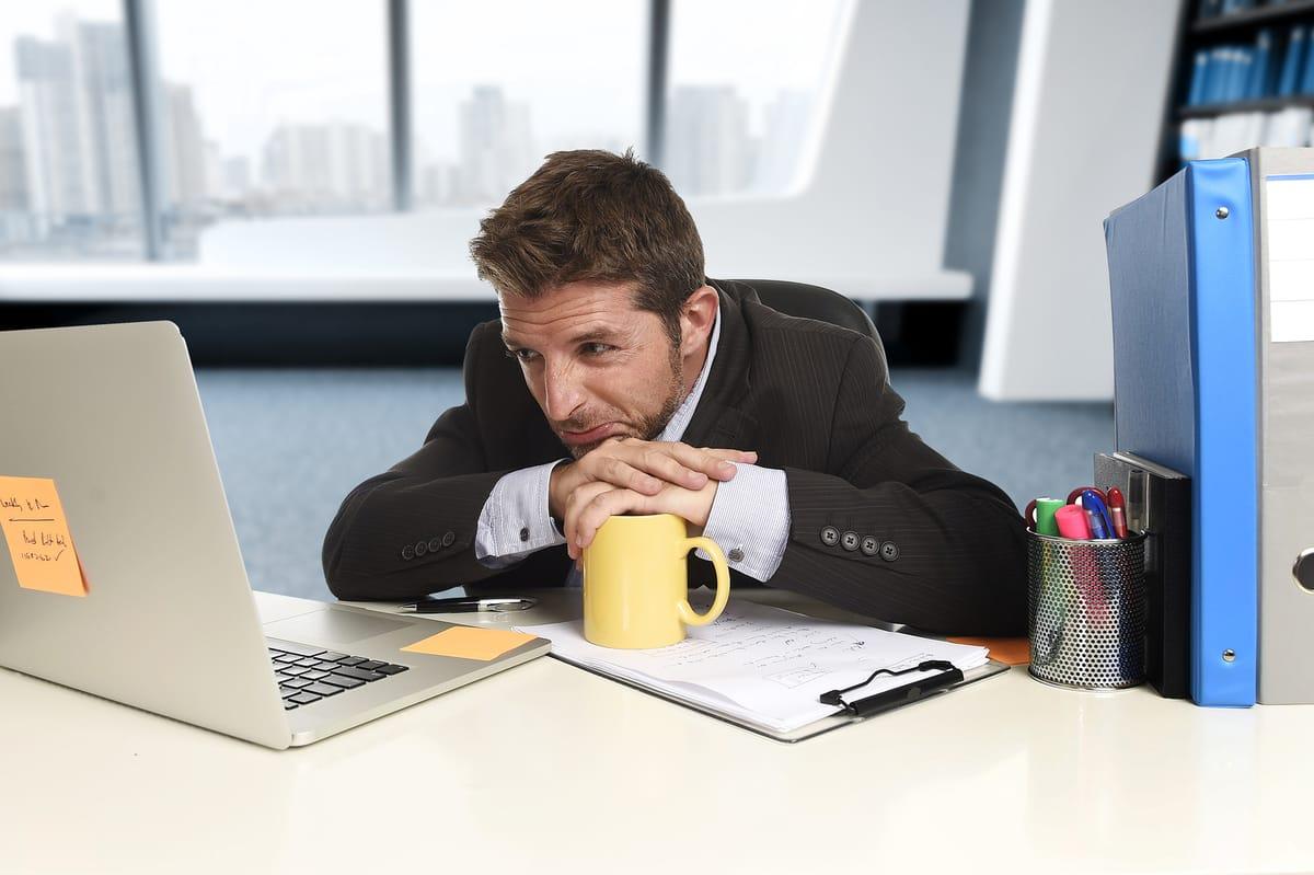 estrés laboral cómo combatirlo