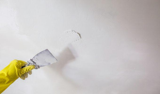 Cómo enduir una pared