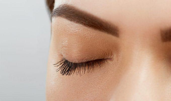 como maquillar las cejas
