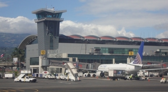 aeropuerto costa rica
