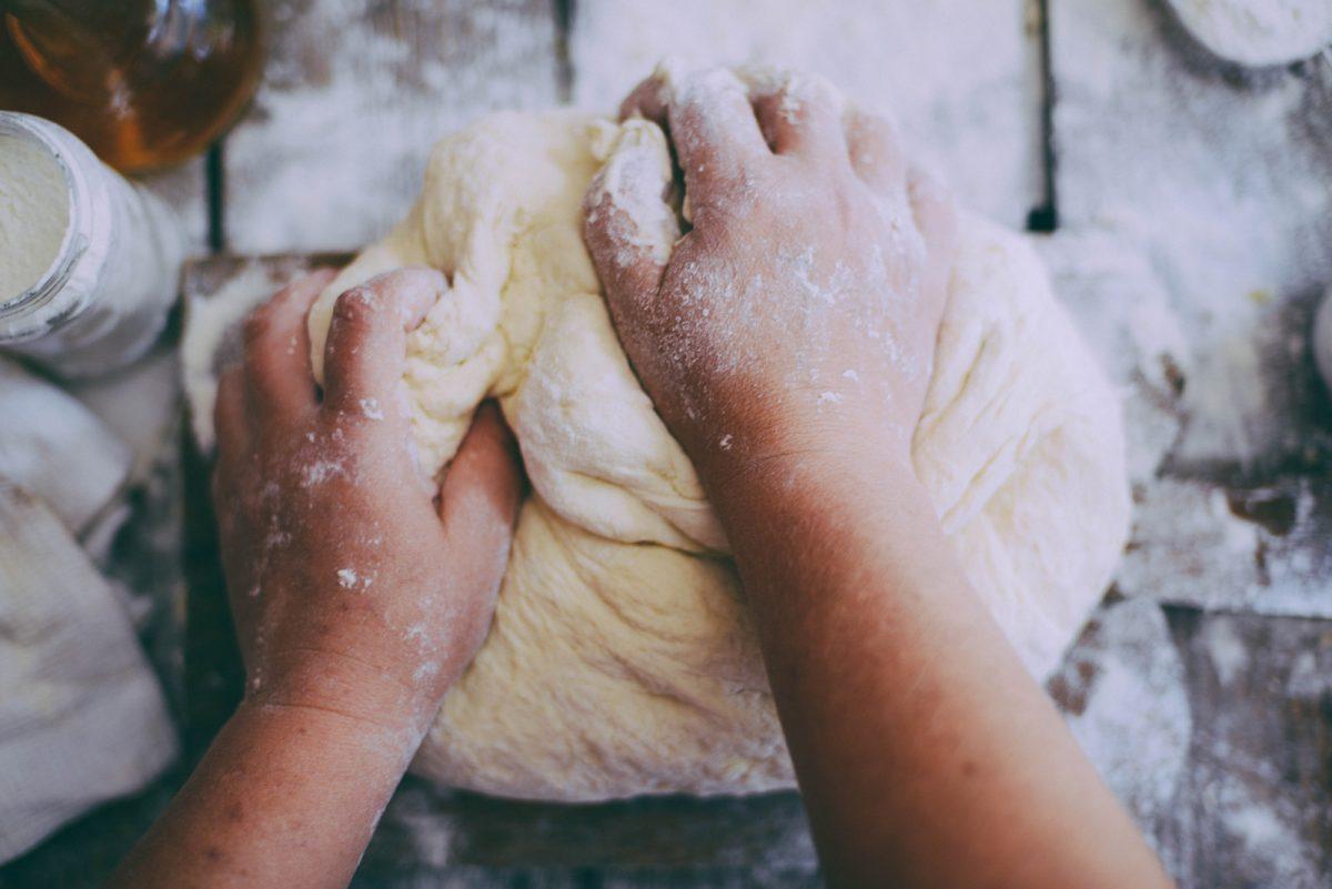amasar pan en casa