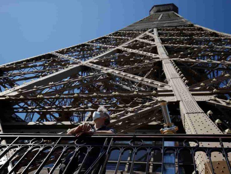 reabrio la torre eiffel