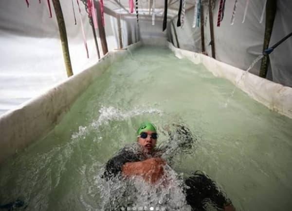 nadador sordo