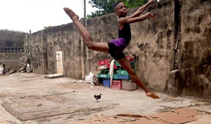 el niño nigeriano baila ballet