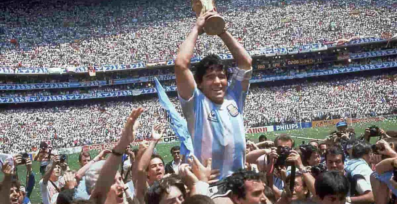 murio Diego Maradona carta natal
