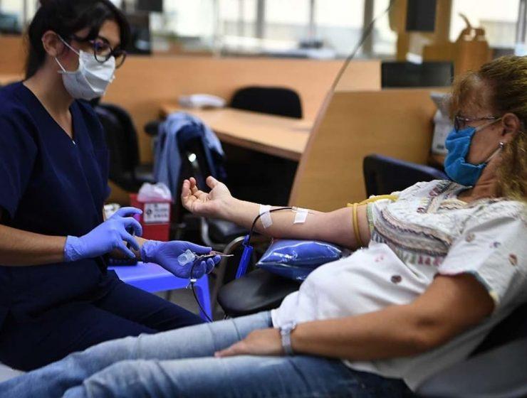 llaman a donar sangre en verano
