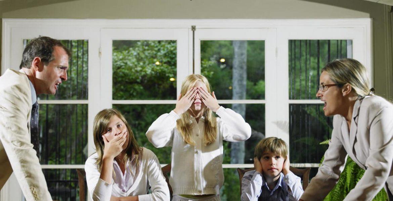 peleas familiares secretos mentiras