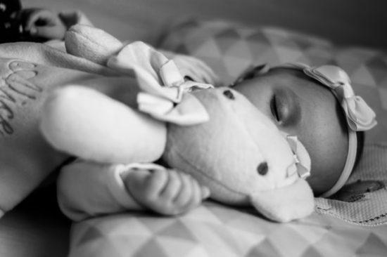 como hacer dormir a un bebe recien nacido