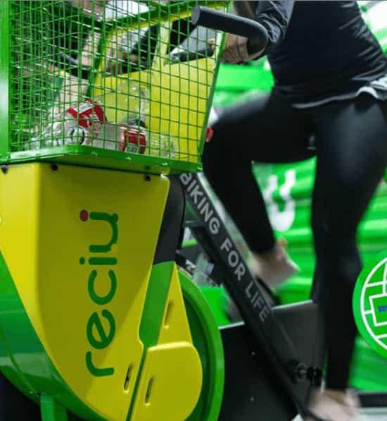 ReciU Bike: la bicicleta fija que recicla basura