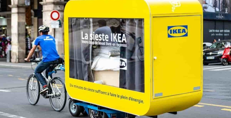 Ikea lanza camas itinerantes por las calles de Paris